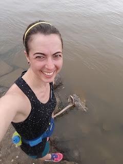 Coureuse souriante, selfie, rivière des Prairies