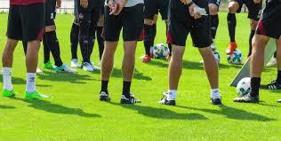 La préparation « complète »: équipe niveau districal Par entraineurdefoot