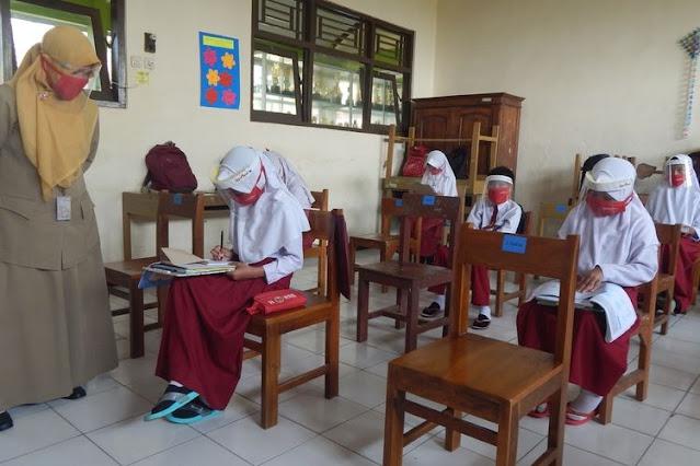 Sekolah Tatap Muka Diizinkan, Mendikbud : Kantin Tidak Boleh Buka, Ekstrakurikuler Ditiadakan