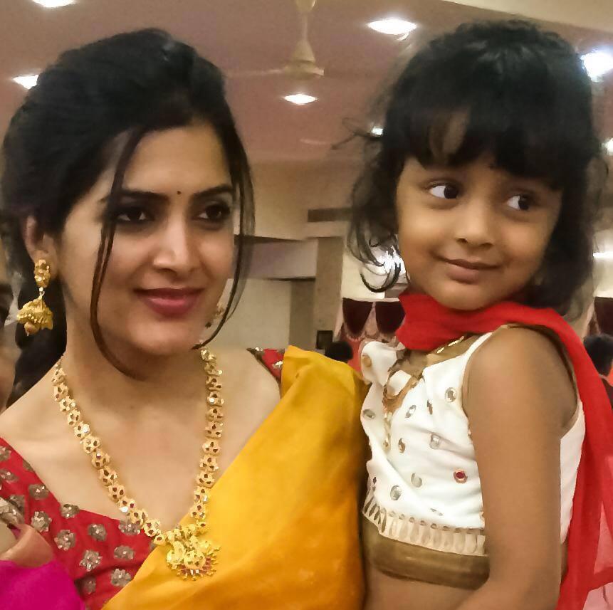 Beautiful Telugu Girl Pavani Gangireddy Photos In Traditional Yellow Saree