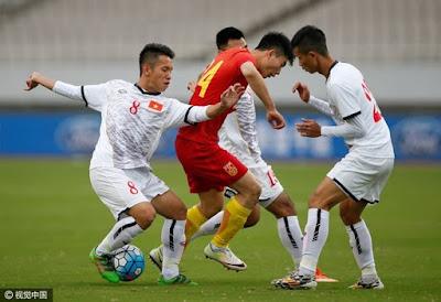 Thanh Tùng lập công giúp U.22 Việt Nam hoà U.22 Trung Quốc