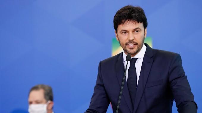 Fábio Faria critica lamentos pelas 500 mil mortes no Brasil