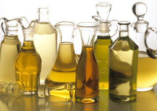 Natural oils for periodontal care