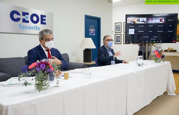 Rodríguez explica a los empresarios las cifras exactas de los Presupuestos canario y estatal