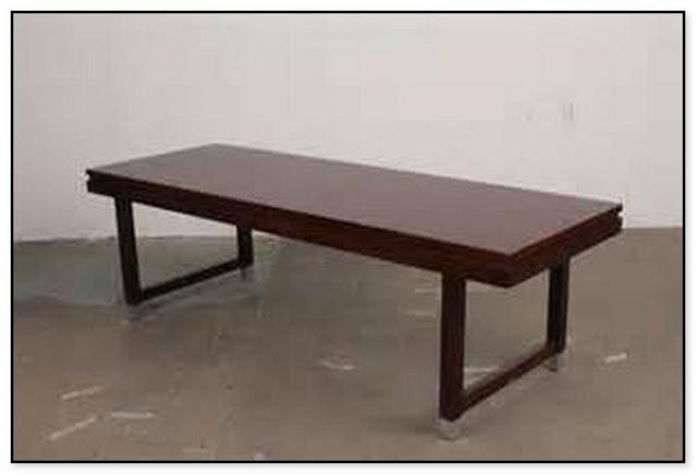 Ketinggian Sebuah Meja Kopi