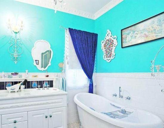 Keramik Dinding Kamar Mandi klasik dengan warna biru laut