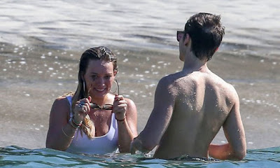 Hilary Duff – Bikini Candids in Costa Rica