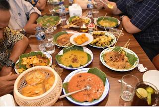 males megawe - Sate Padang Manang Kabau Wisata kuliner Padang