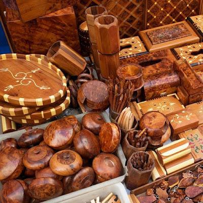 Objetos en madera de tulla