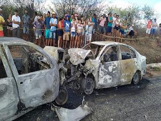 Quatro pessoas morrem carbonizadas após colisão de veículos no Sertão