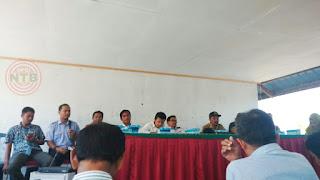 Emak-emak Tolak Pemindahan Pelabuhan Bongkar Batubara PLTU Sumbawa Barat
