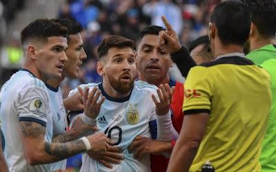 022bda11f08b4 Messi foi expulso na Copa América e cumpre suspensão nas Eliminatórias