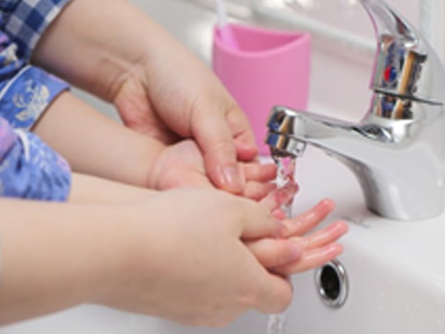 Bermain Asyik Buat Anak, Keajaiban Mencuci Tangan dengan Menggunakan Sabun