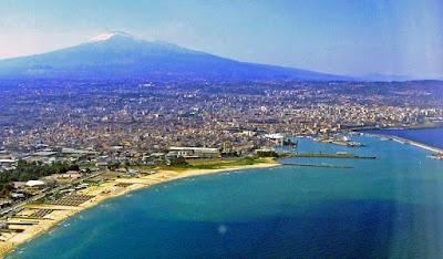 Mount Etna volcano, Catania | Sicily, Italy | source (wikimedia) | wayamaya