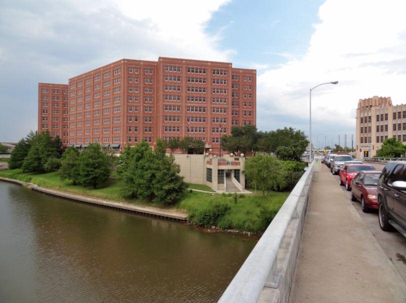 Houston in Pics: Harris County Jail on the banks of Buffalo Bayou
