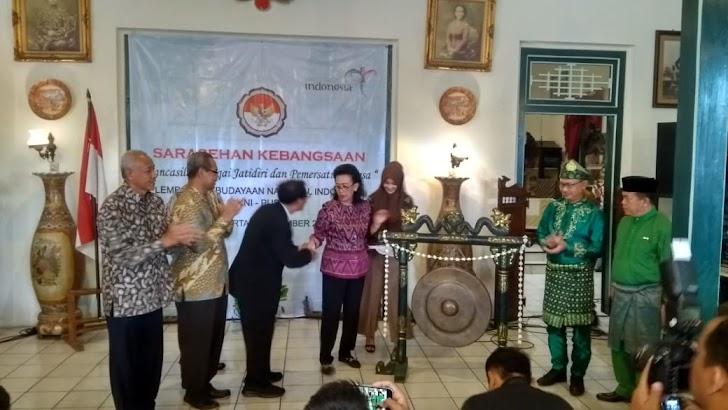 Empat Kepala Daerah Dapat Penghargaan LKNI