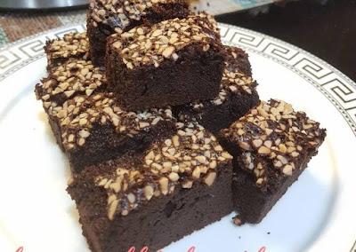 gambar kue brownies coklat panggang sederhana