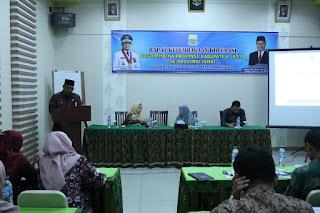 Kabid Perizinan Dan Kelembagaan Dinas Koperasi UKM Provinsi Jambi Secara Resmi Membuka Rapat Kelembagaan Koperasi Bagi Pembina.
