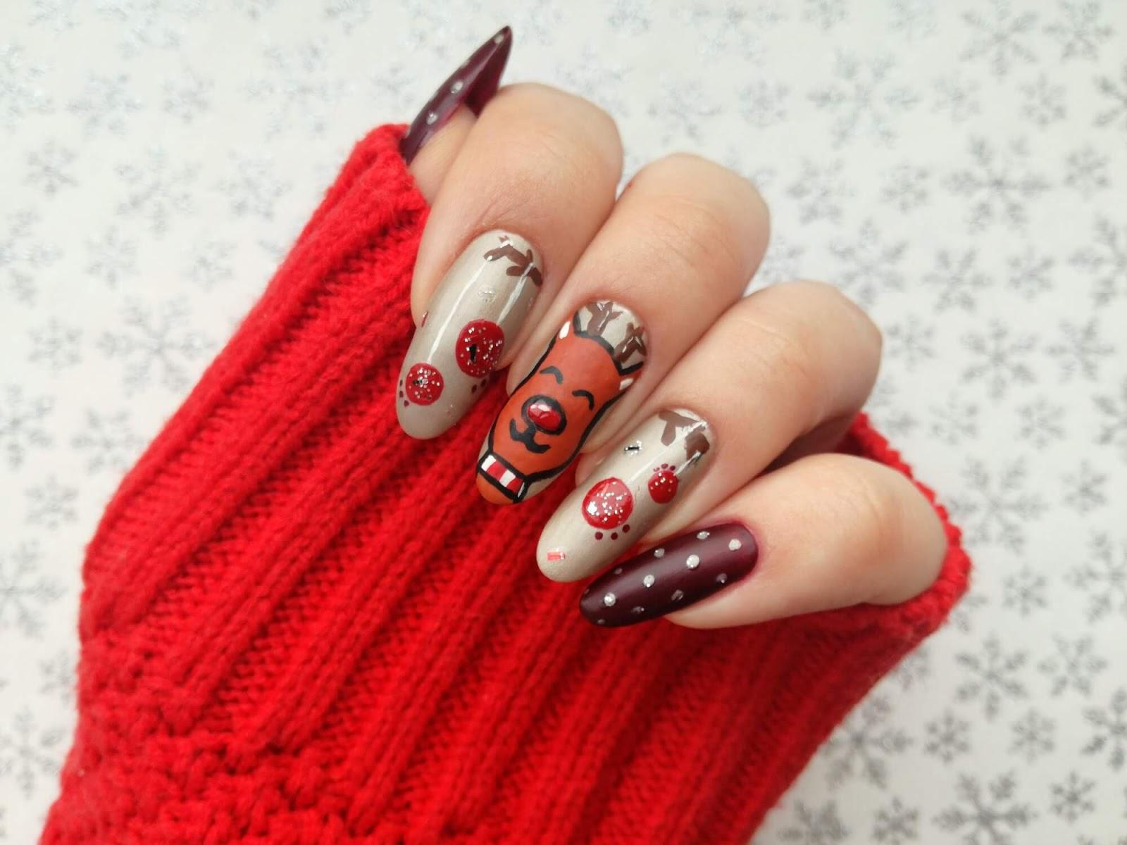 paznokcie z reniferem