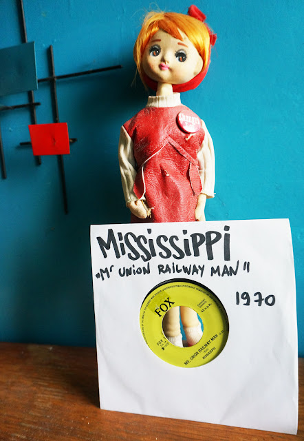 Mississippi - Mr Union Railway Man / Main Street - UK  fox records