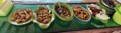 Nuestra comida en el barco de Komodo.