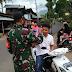 Upaya Babinsa Koramil 04/Luak Bersama Pemerintahan Nagari Situjuh Tungkar Bagi-bagi Masker.
