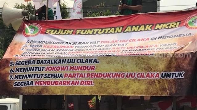 Gempur Istana, Massa Aksi 1310 Tuntut Jokowi Mundur!
