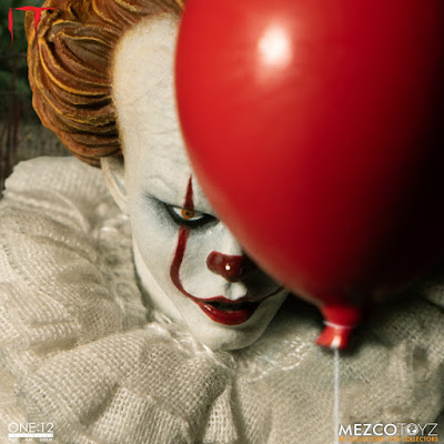 Mezco One 12 Collective IT (2017) Pennywise Action Figure 01
