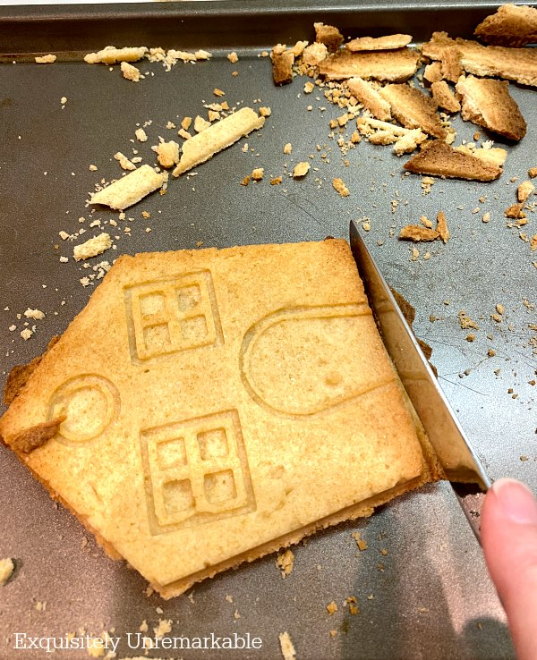Cutting Edges On Gingerbread House Mold