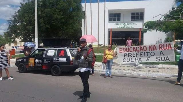 Servidores municipais de educação de Delmiro Gouveia rejeitam a proposta de 4% feita pelo prefeito Padre Eraldo