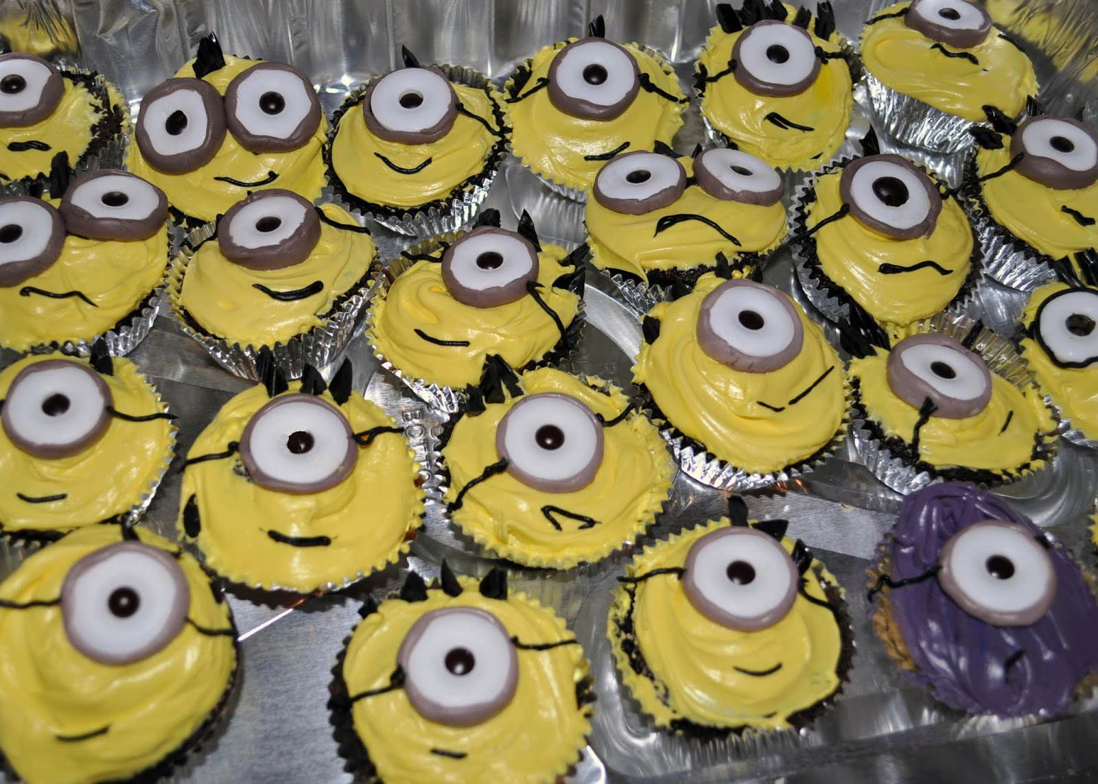Minion Cupcakes Without Twinkies