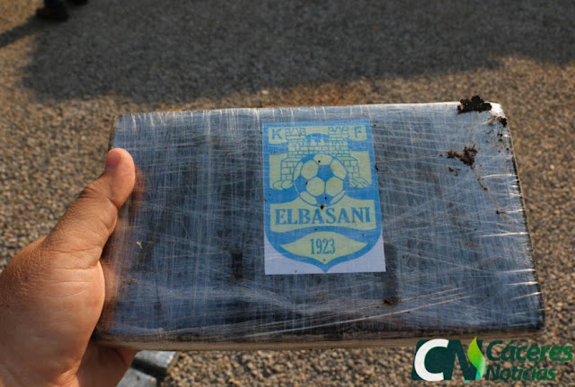617kg of cocaine with 'Kf Elbasani' logo on it, seized in Brazil; it is suspected the destination would be Albania