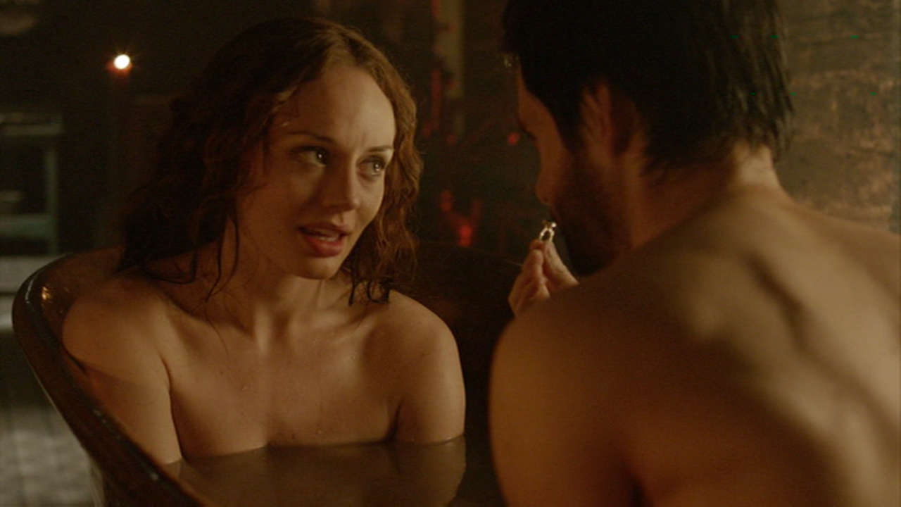 Laura haddock topless have sex with tom riley on bed