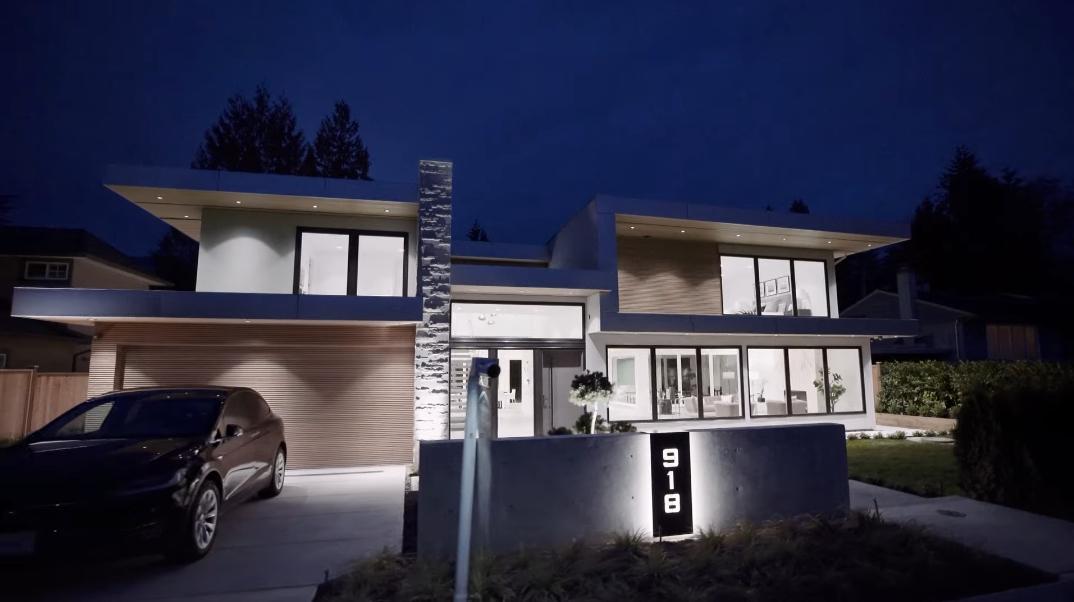 65 Interior Photos vs. 918 Glenora Ave, North Vancouver, BC Luxury Contemporary House Tour