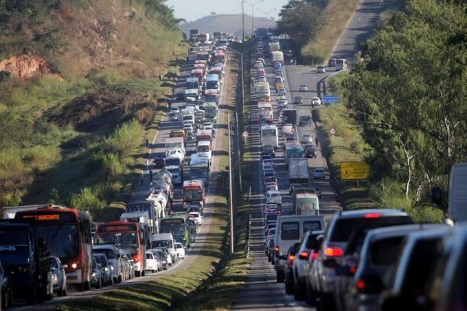 Caminhoneiros planejam parar atividades