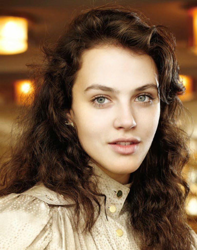 Jessica Brown Findlay Nude Photos 21