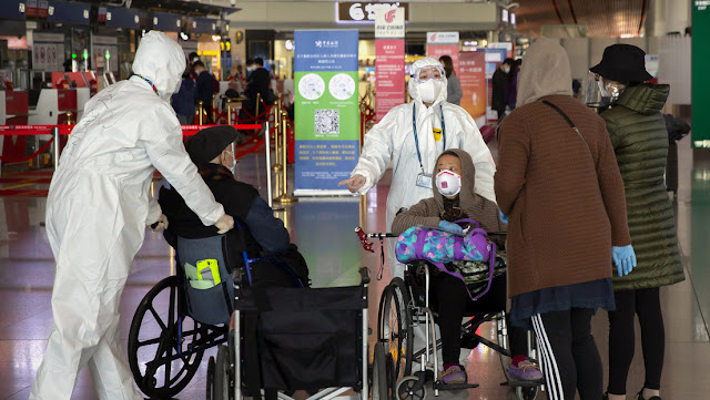 """China: """"Básicamente detuvimos la transmisión doméstica del coronavirus, pero la subida de casos importados podría llevar a otra ola de infecciones"""""""