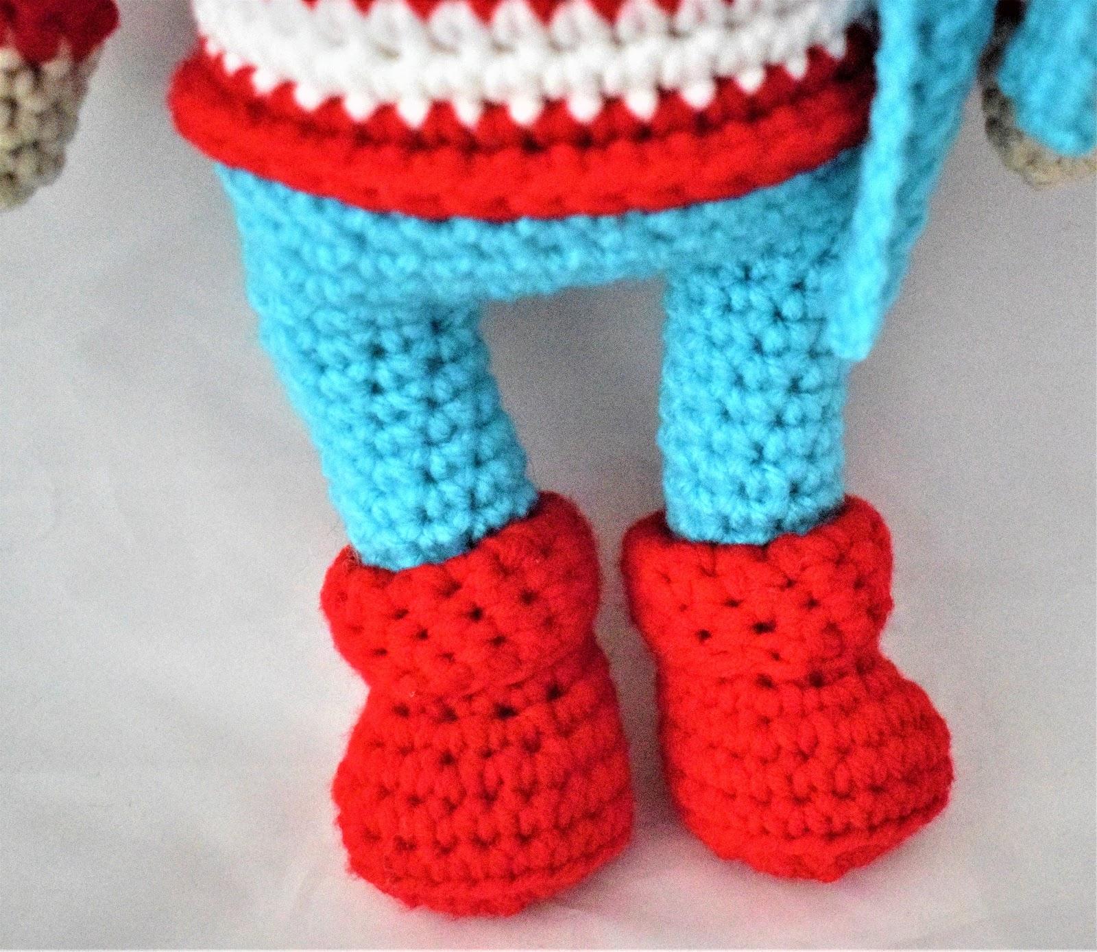 Amigurumi Reno Mágico: ¡Decora y alegra tu hogar en Navidad! | 1388x1600