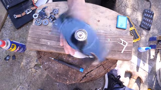 membuat sendiri fidget spinner dari bahan smarthpone keluaran teranyar