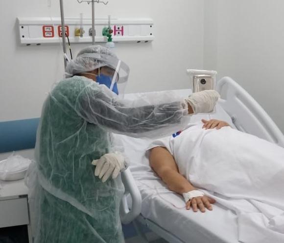 HOSPITAL METROPOLITANO USA TECNOLOGIA PARA APROXIMAR PACIENTES AOS FAMILIARES