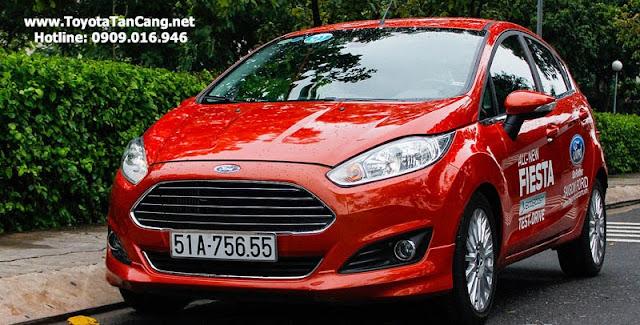 ford fiesta 2014 1 2841 - So sánh Ford Fiesta và Toyota Yaris : Ai là Vua xe Hatchback cỡ nhỏ - Muaxegiatot.vn