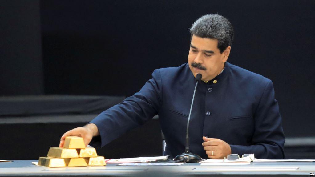 Maduro recibió el respaldo de Putin durante su gira por Rusia / AP