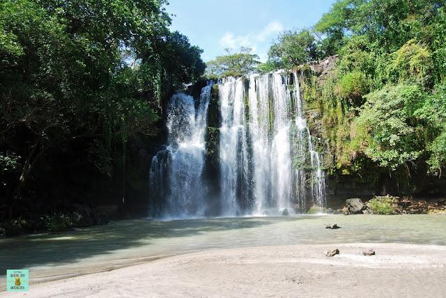 Cascada Llanos de Cortés, Costa Rica