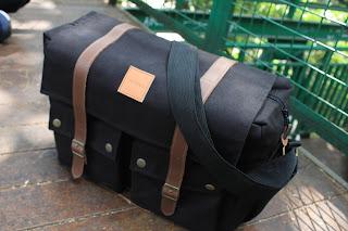 Messenger bag Pria