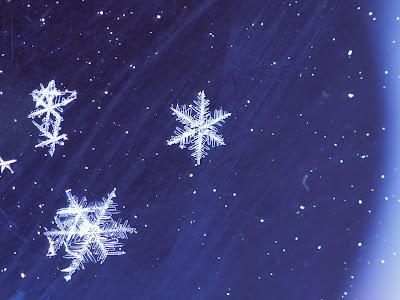 Mooie Sneeuw Achtergrond met ijssterren