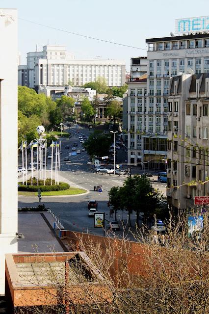 Вид с Трёхсвятительской на Европейскую площадь
