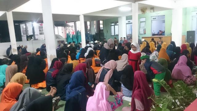 Mahasiswa KKN Kelompok 10 dan Warga Desa Sukorejo Hadiri Pengajian Akbar