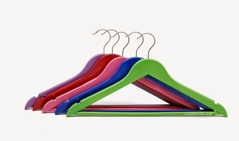 hangers+color closet organizing tips ideas -