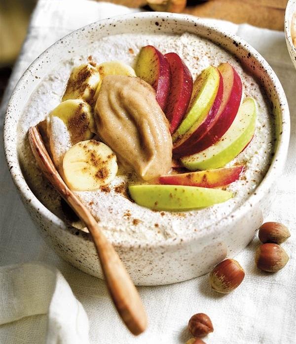Crema de Avena con Manzana, Platano y Mantequilla de Mani