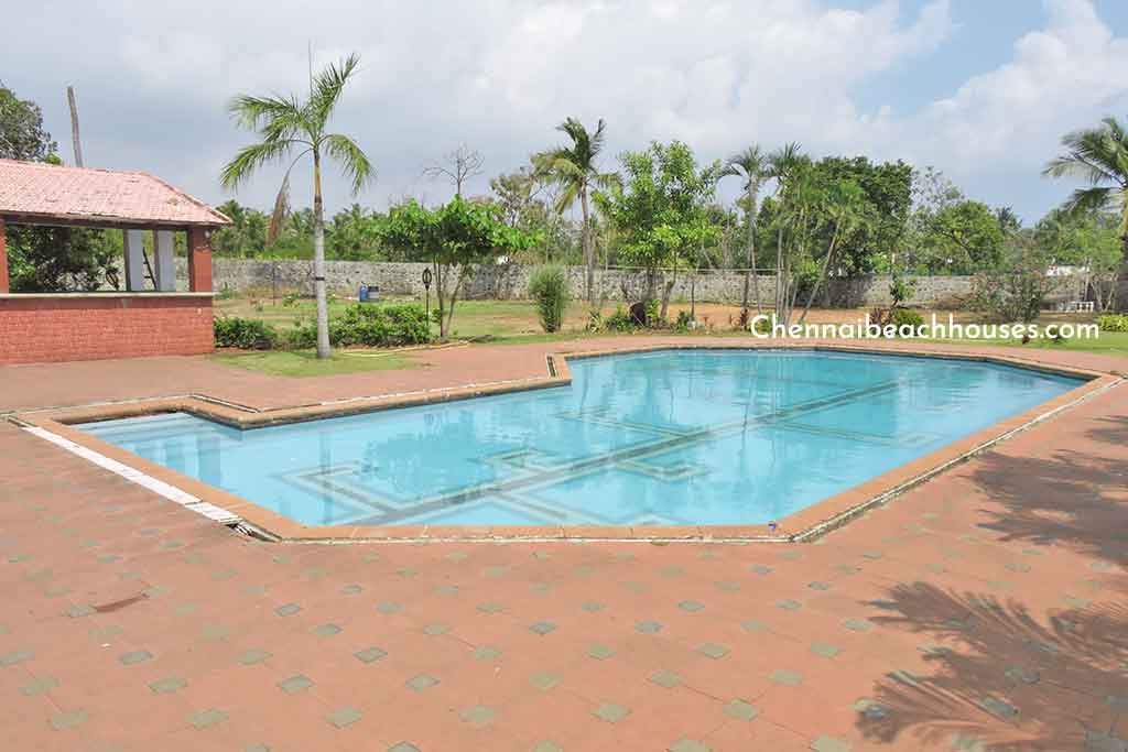 blue angel beach house for hire in ecr